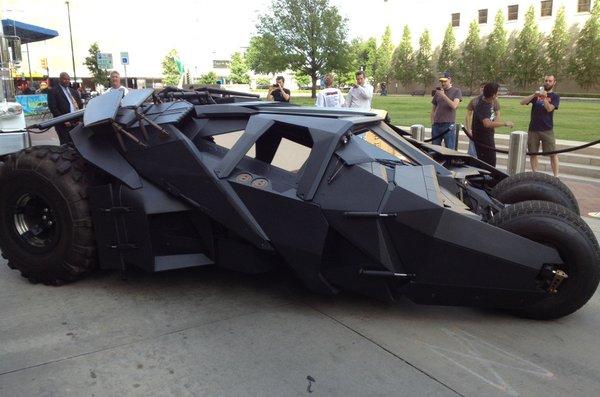 《黑暗骑士崛起》The Dark Knight Rises 展开宣传 蝙蝠侠座驾巡展