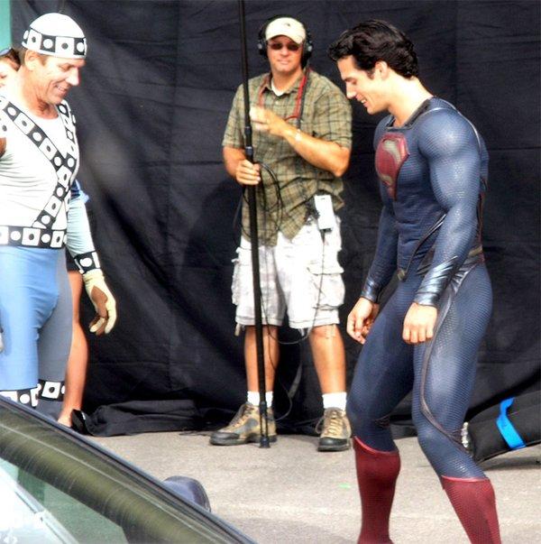 新《超人》片场完整呈现超人新战袍