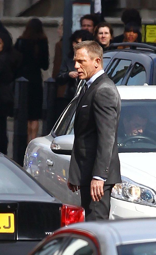 """007《天幕坠落》片场现身""""反派""""哈维尔·巴丹"""