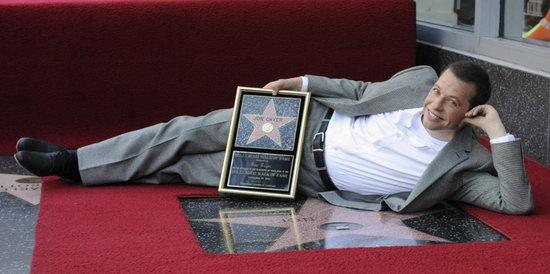 《好汉两个半》男星乔恩·克莱尔留名星光大道