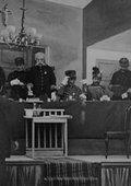 Conseil de guerre en séance à Rennes 海报