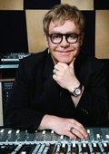 Elton John巴西里?#23478;?#28378;音乐节