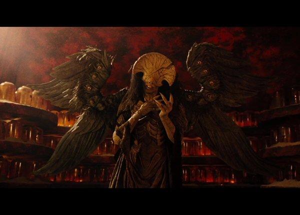 r级重启热门漫改-《地狱男爵:血皇后崛起》4月12日美国上映