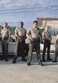 值班警官 第一季 海报