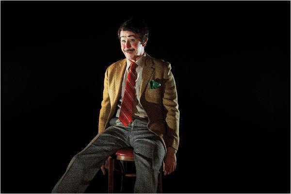 3、加里·奥德曼(Gary Oldman,《锅匠、裁缝、士兵、间谍》)——傀儡(Menacing Dummy)