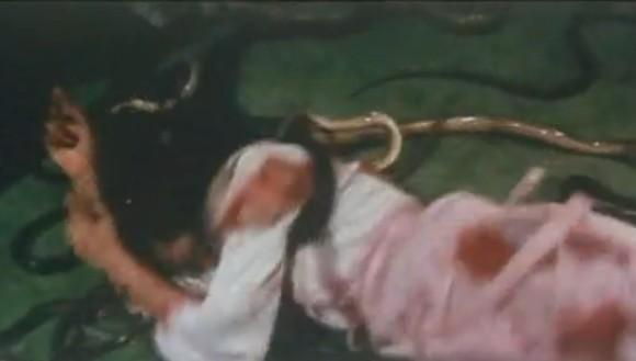 三级片人蛇大战有几部_人蛇大战之蛇妖显灵的剧情简介