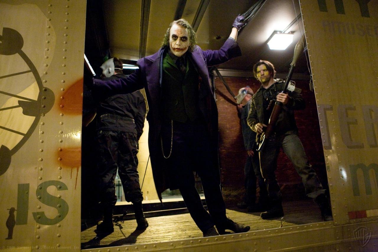 需要蝙蝠侠前传2黑暗骑士里小丑的笑声跪求