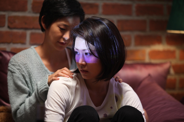 【视频】两个女人; 电影:两个女人;